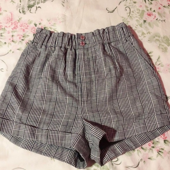 Forever 21 Pants - high wasted gingham shorts
